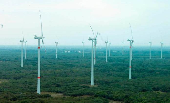 Capacidad energética renovable mundial aumentó más del 50 % en 2020 y batió récords