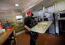 Entre tradición, marketing y pandemia, la rosca de Reyes perdura en México