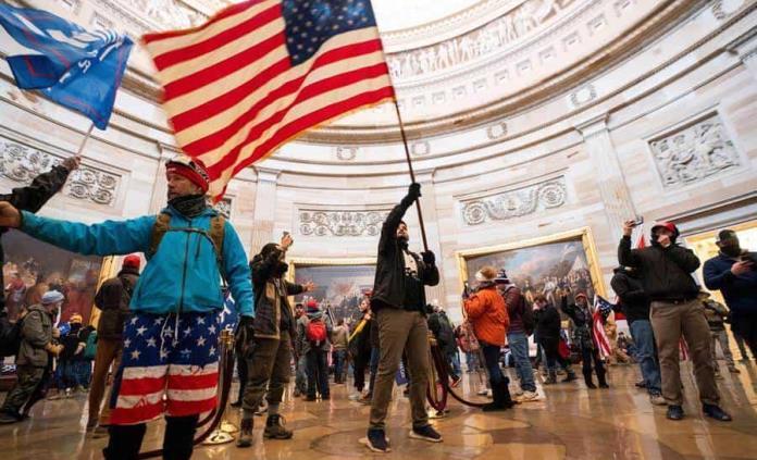 Piden investigar visitas de trumpistas al Capitolio la víspera del asalto