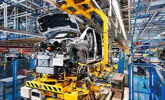 Exportación automotriz cae 13% en marzo por falta de resinas plástica