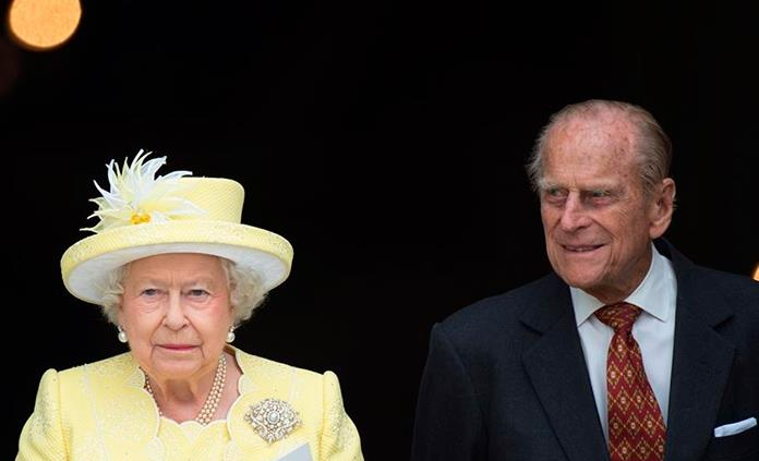 En agradecimiento, Isabel II envía flores al hospital donde trataron a su esposo