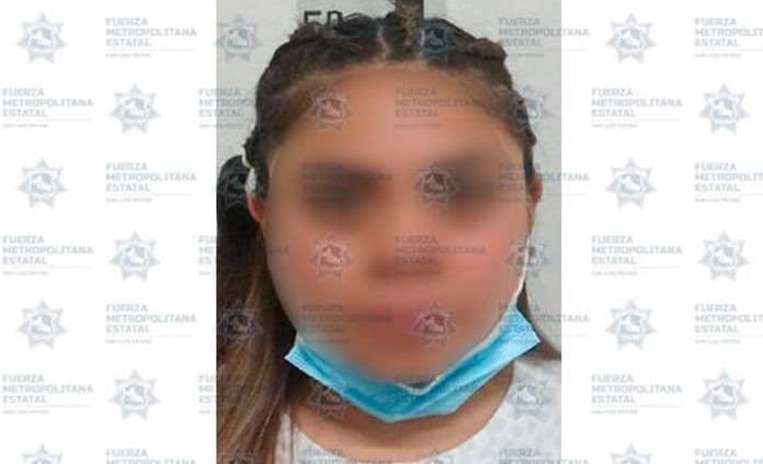 Mujer es detenida por presunto robo a comercio en Lomas del Tecnológico