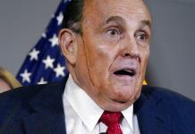Giuliani enfrenta posible expulsión de Colegio de Abogados