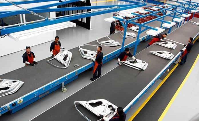 Prevén repunte producción de autos este 2021