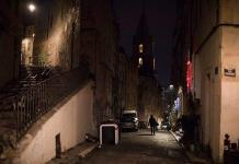 Francia adelanta el toque de queda a las 18:00 horas para frenar el virus
