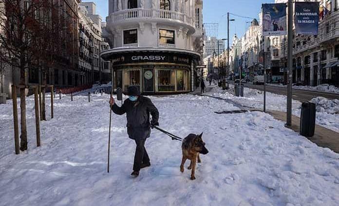 Madrid suspende acceso a parques