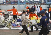 Se amplía la búsqueda tras accidente aéreo en Indonesia