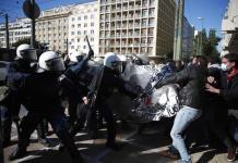 Protestas contra entrada de policía en universidades griegas