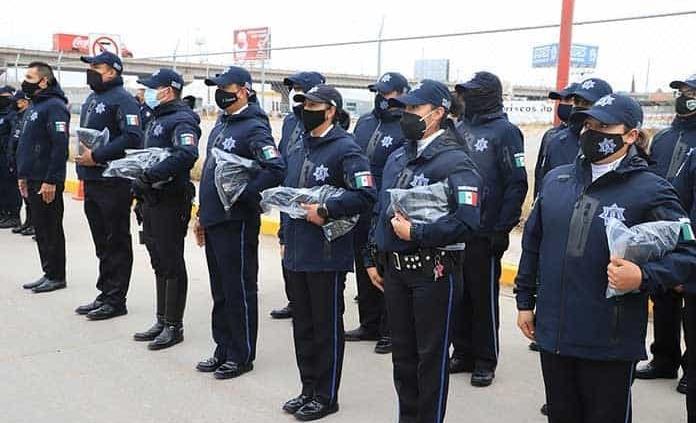 Equipan con cámaras corporales a más de 30 policías de la capital