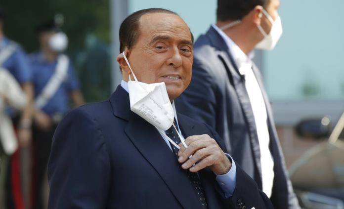 La hospitalización de Berlusconi retrasa la sentencia de uno de sus juicios