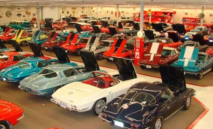 Museo de autos clásicos subastará 200 coches para evitar la quiebra