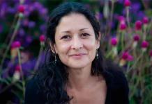 Hay una revolución literaria que cuenta la maternidad sin mitos, dice Pilar Quintana