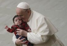 Sumo Pontífice cancela eventos por dolores en la ciática