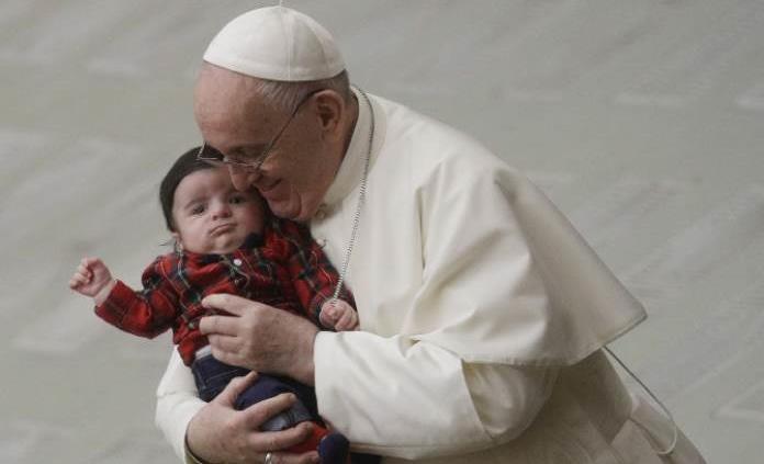 El papa Francisco volvió a sufrir un ataque de ciática