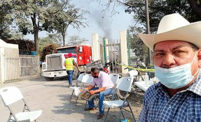 Cañeros bloquean el Plan de Ayala