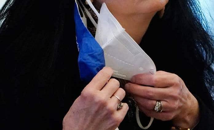 PAN exige cubrebocas transparentes para no afectar a sordos