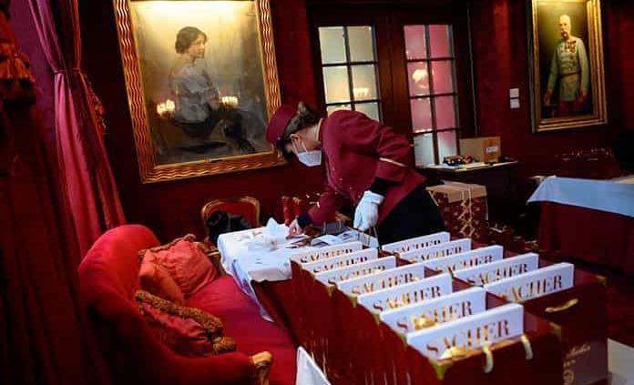 El pastel de chocolate más famoso del mundo llega a las casas austriacas en San Valentín