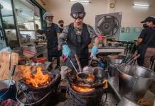 El restaurante de la reina de la comida callejera en Bangkok, entre los mejores de Asia