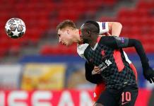 El Liverpool pone un pie cuartos de final de Champions
