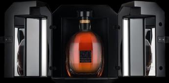 Subastan con fines benéficos una botella de whisky escocés por 45 mil 105 euros