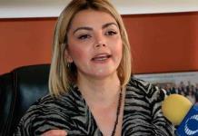 Marvelly Costanzo presenta denuncia ante INE para retirar candidatura a Hugo Carballo