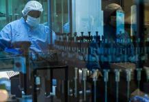 Producción de vacunas anticovid llegaría a 10,000 millones de dosis en 2021