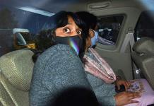 Tribunal de la India deja en libertad bajo fianza a joven ambientalista