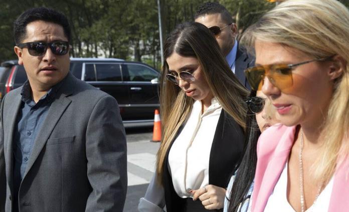 Jueza ordena que Emma Coronel siga detenida; afronta cadena perpetua