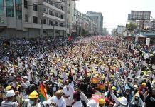 Protestas inundan calles de Myanmar