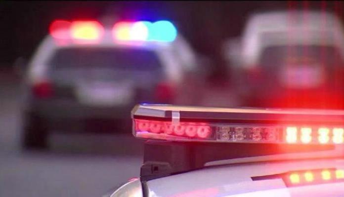 Hombres armados bajan a obreros de camiones en Sonora