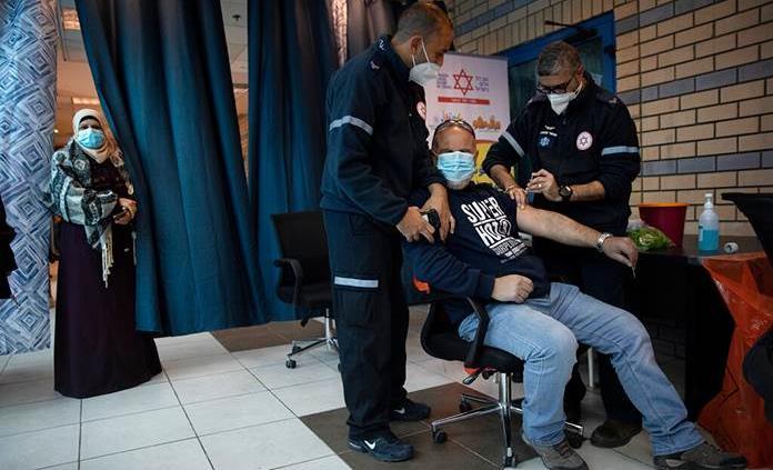 Israel aprueba administrar tercera dosis de vacuna a inmunodeprimidos