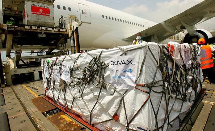 Vacunas empujan carga vía aérea