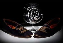 Subastan unos zapatos y una copa de brandy pertenecientes a Churchill