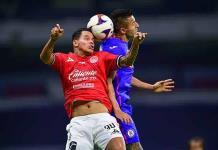 Cruz Azul doblega a Mazatlán y sigue líder