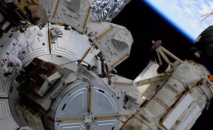 La nueva tripulación de la Estación Espacial efectuará hasta 10 caminatas espaciales