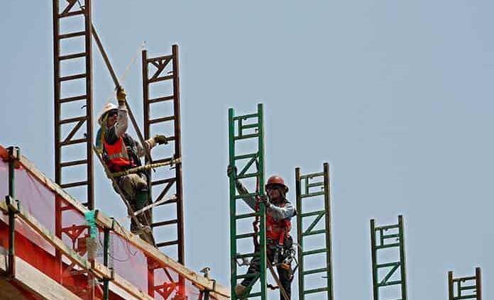 Retrocede productividad laboral en el primer trimestre de 2021: Inegi