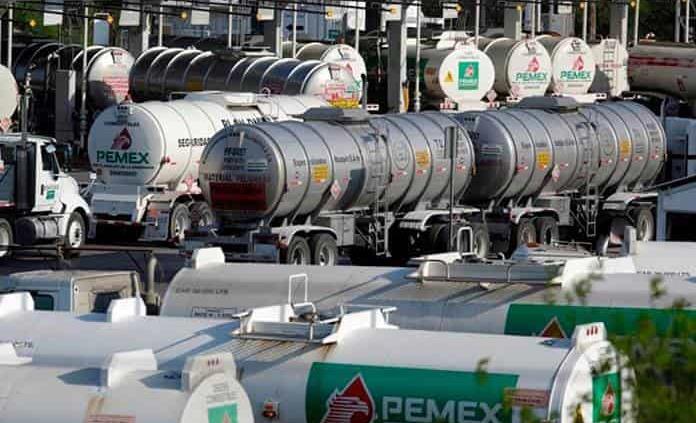 Pemex confirma 6 heridos por incendio en la refinería Lázaro Cárdenas