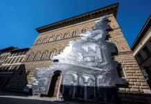 Florencia denuncia la herida de los museos vacíos en una gran instalación