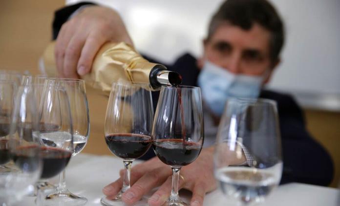 El consumo mundial de vino bajó en 2020 menos de lo temido por la pandemia