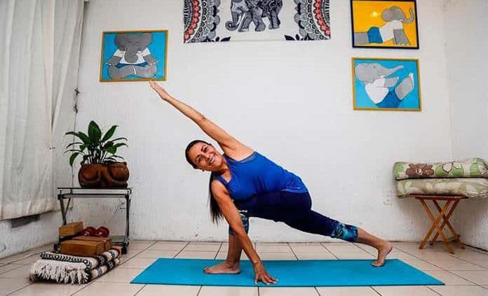 Yoga terapéutico, una alternativa para aliviar secuelas de la covid