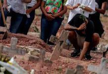 Brasil suma 3 mil 829 nuevas muertes por covid-19 y rebasa las 340 mil en total