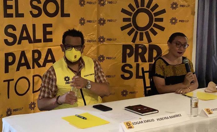 Reporta PRD 785 renuncias de militantes durante los últimos años