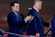 Trump afirma que congresista investigado por tráfico sexual nunca lo buscó para pedir indulto