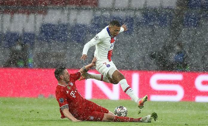 Mbappé recorta distancias con doblete ante el Bayern