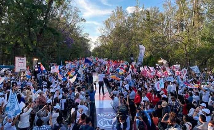 Felipe Calderón expresa su apoyo a Octavio Pedroza durante evento en Morales