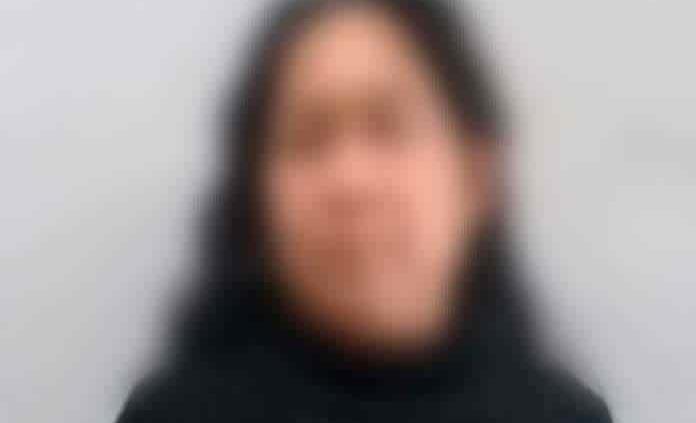 Mujer acusada de matar a un adolescente recobra su libertad