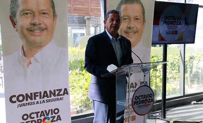 """""""Salario rosa"""" y tabletas, compromisos de Octavio"""