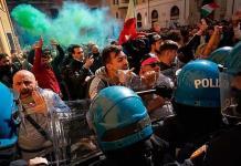 Se enfrentan en Roma por restricciones por pandemia