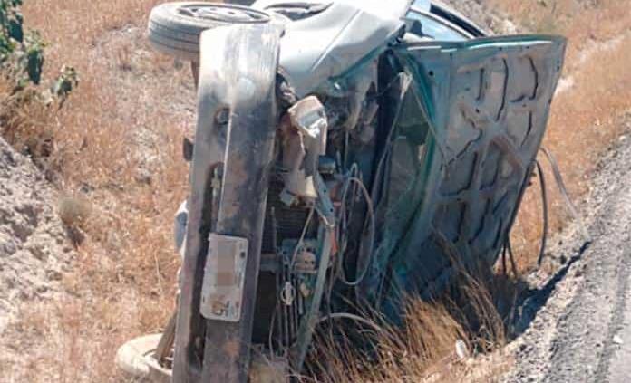 Familia sufre accidente en la carretera federal 70; hay 5 lesionados