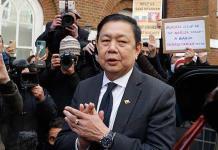 El embajador birmano encabeza una protesta en Londres contra la junta militar